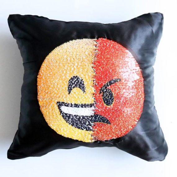 Face Changing Emoji Pillows 3