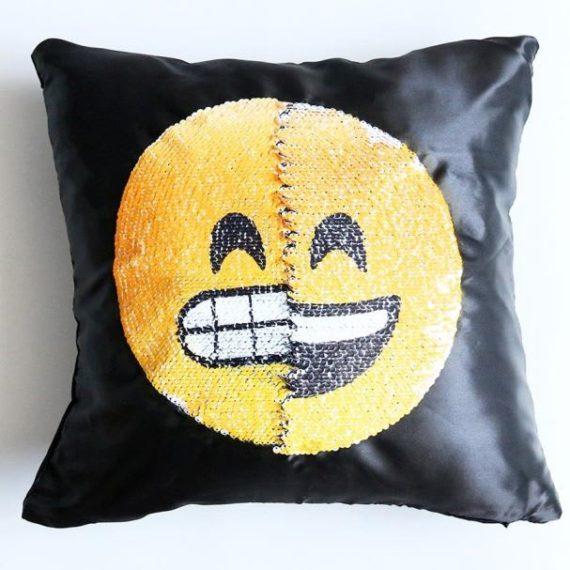Face Changing Emoji Pillows 4