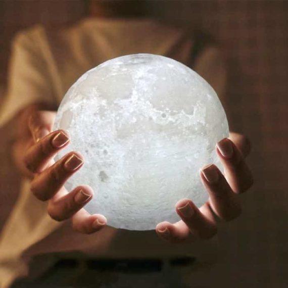 Enchanting Moon Lamp 1