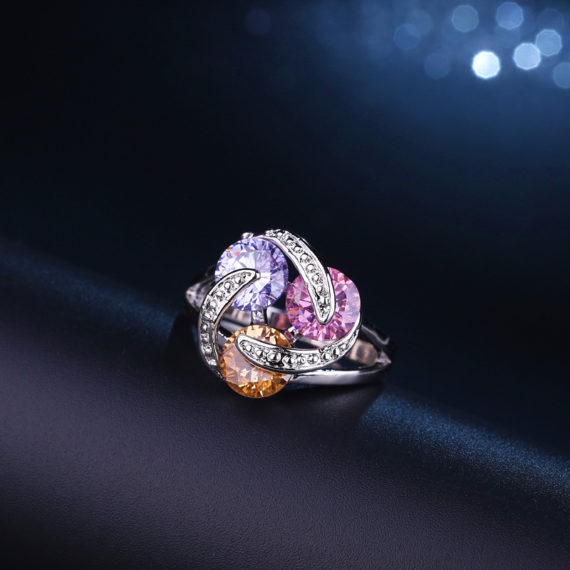 Rotating Design Sparkling CZ Crystal Engagement Rings
